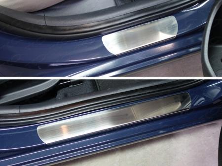 Hyundai Elantra 2016--Накладки на пороги (лист шлифованный)